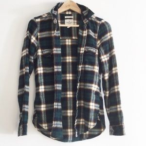 American Eagle Outfitters Plaid Slim Fit Soft Top